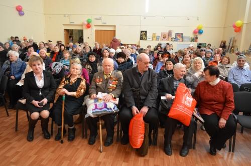 Ветераны великой отечественной войны на праздничном концерте
