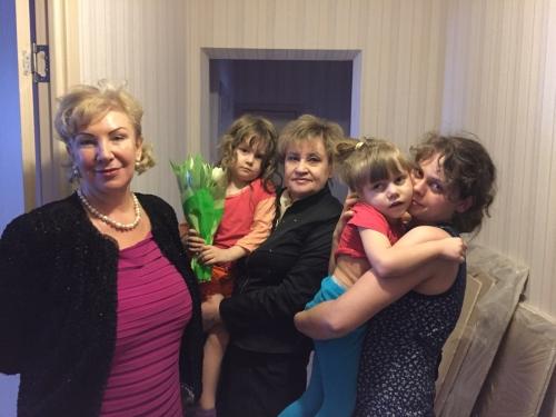 Владлене 2 марта исполнилось 6 лет. Приятно получить подарки от депутата, студентов- волонтёров и спонсора Ищенко Светланы Георгиевны.